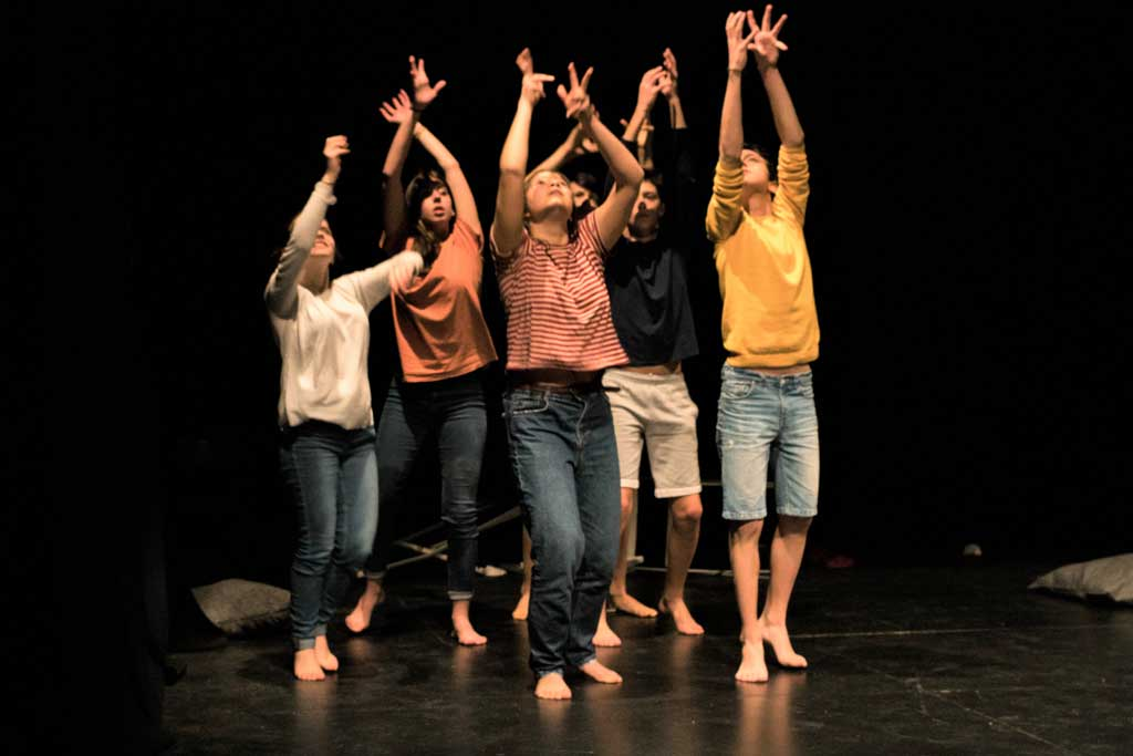 DANCE-THEATER & POLITICAL THOUGHT Workshop for Children